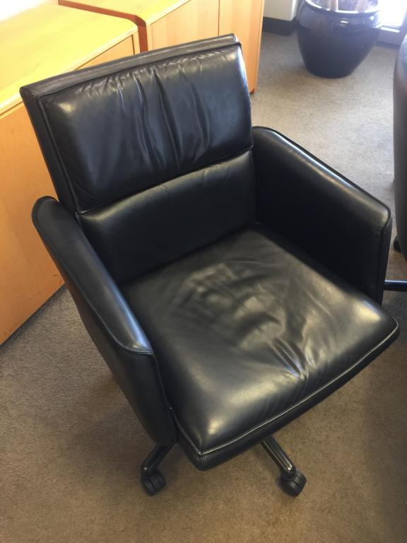 Nienkamper Black Leather Conference Chair - click to see full size photo
