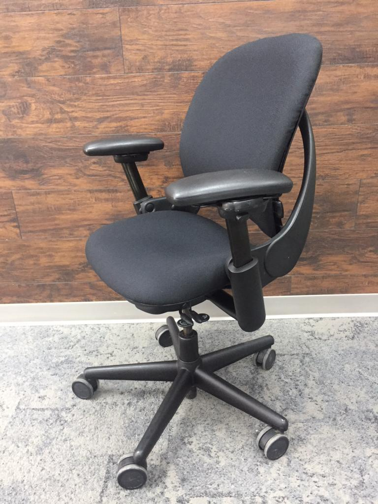 Steelcase LEAP V1 Task Chairs - click to see full size photo