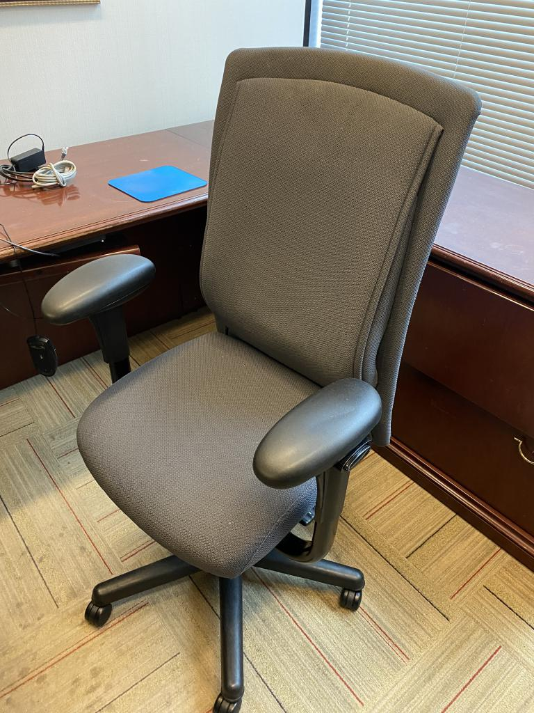 Steelcase Grey Rapport Task Chairs - click to see full size photo